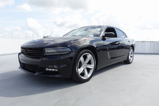 2017 Dodge Charger >> Pre Owned 2017 Dodge Charger R T 4d Sedan In Homestead 49773a