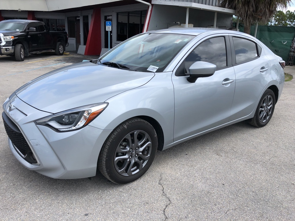 Pre-Owned 2019 Toyota Yaris XLE