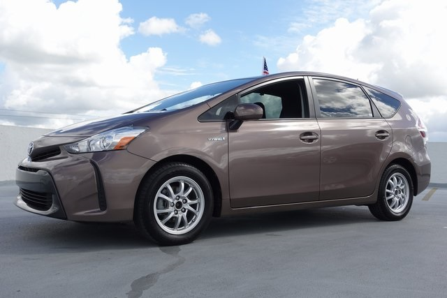 Pre Owned 2016 Toyota Prius V Two